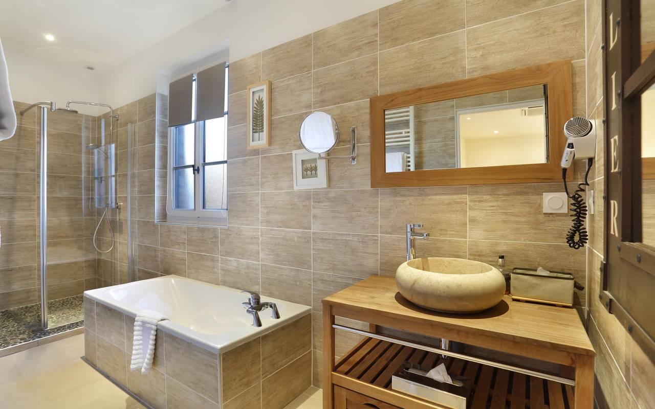 Luxurious bath hotel loire