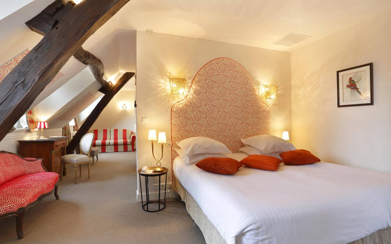Luxurious bed hotel loire