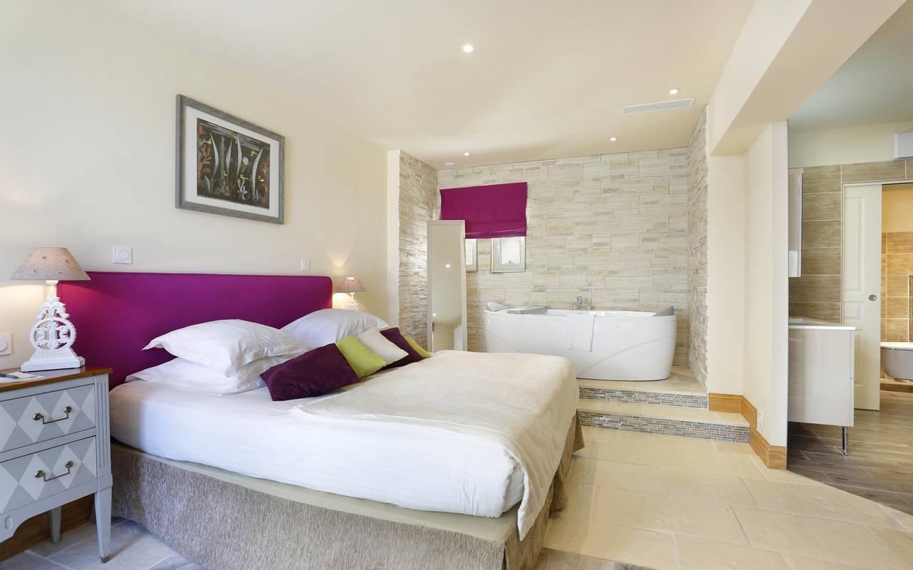 Big modern suite hotel loire