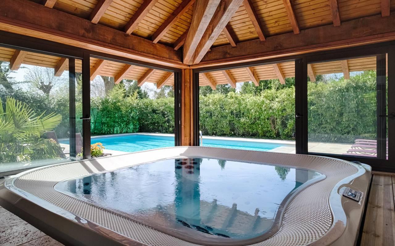Luxurious jacuzzi hotel de charme chateau de la loire
