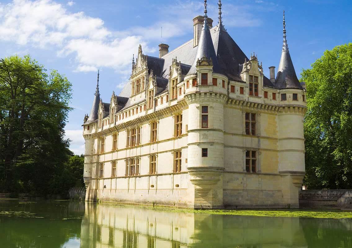 Outdoor facade chateau de la loire