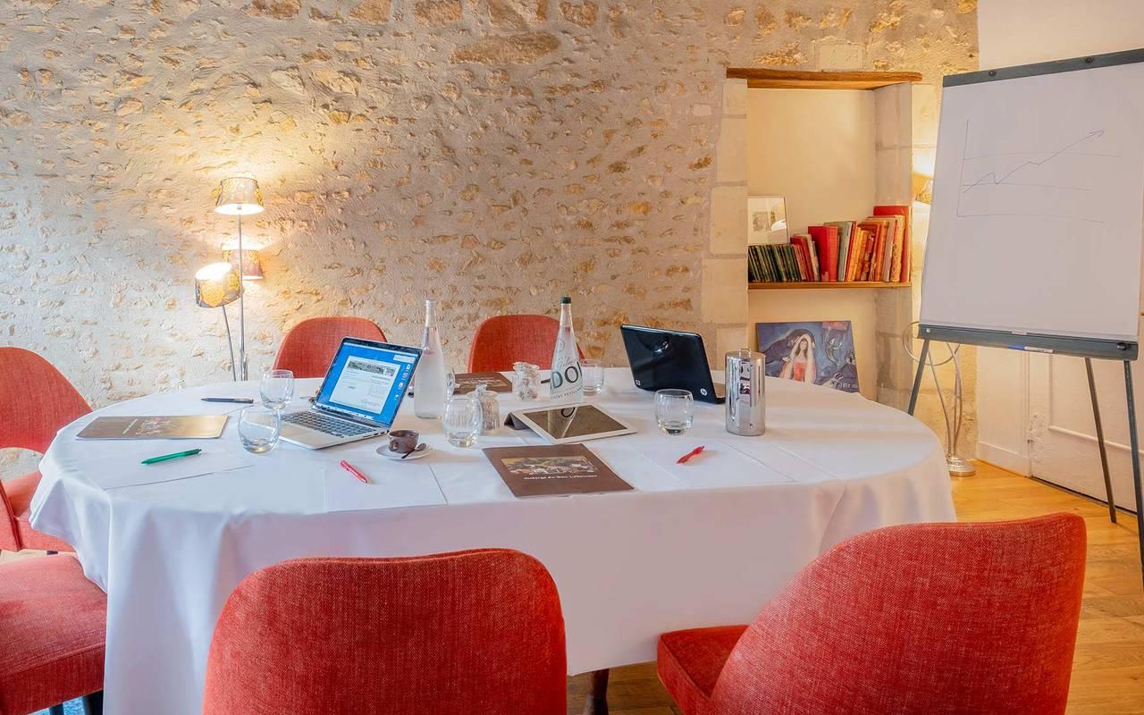 Paperboard meeting table seminaire professionnel indre et loire