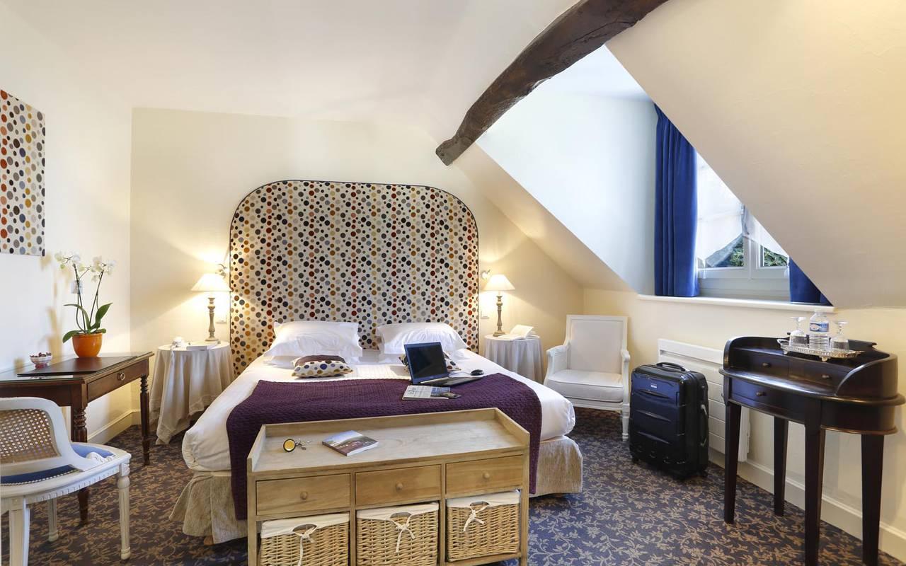 Chambre double en bois hôtel chenonceaux