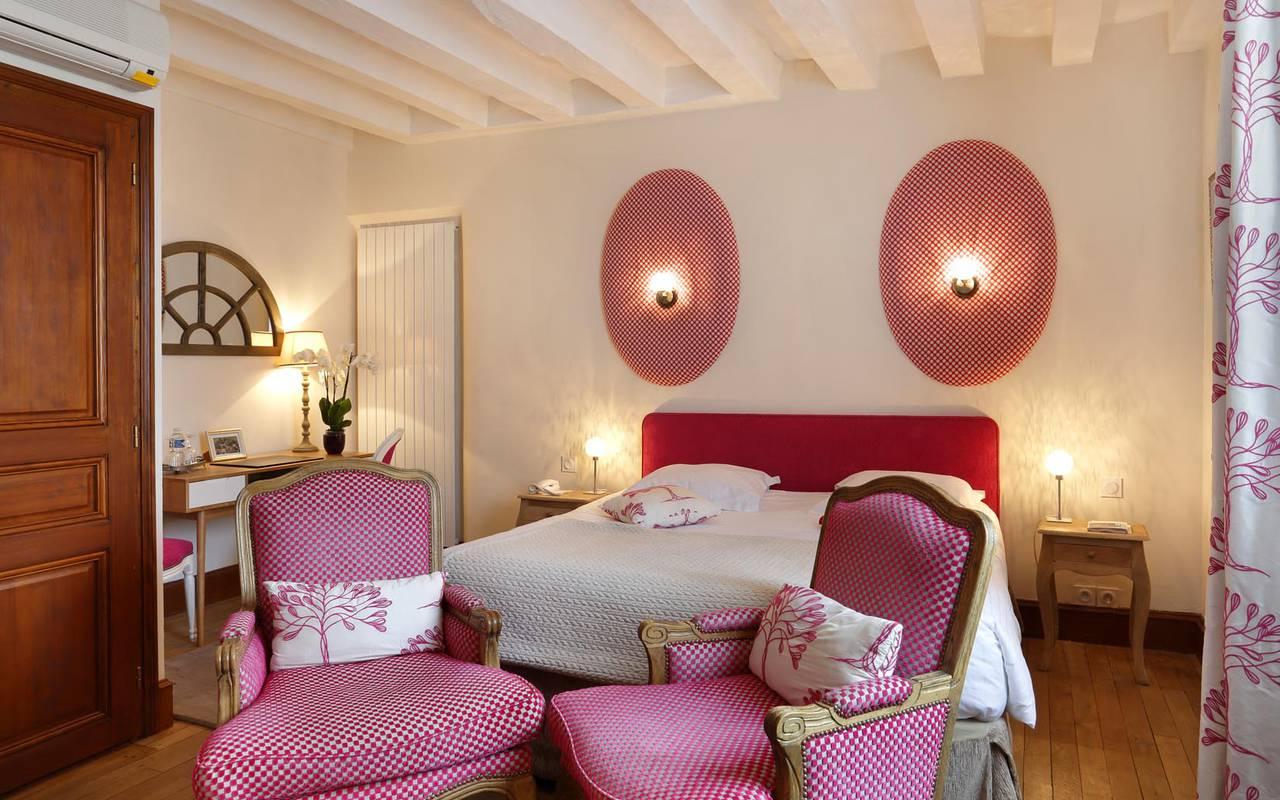 Chambre double authentique violette hôtel tours