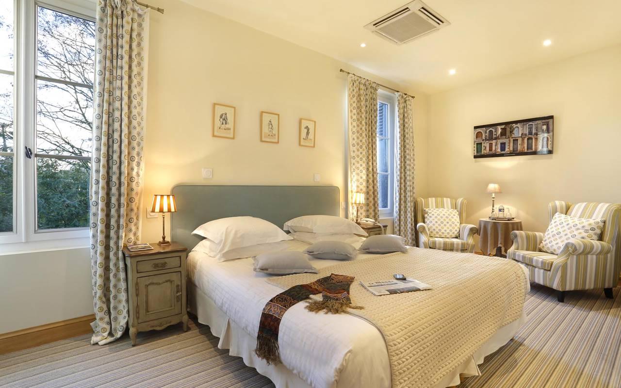 Chambre double spacieuse hôtel loire