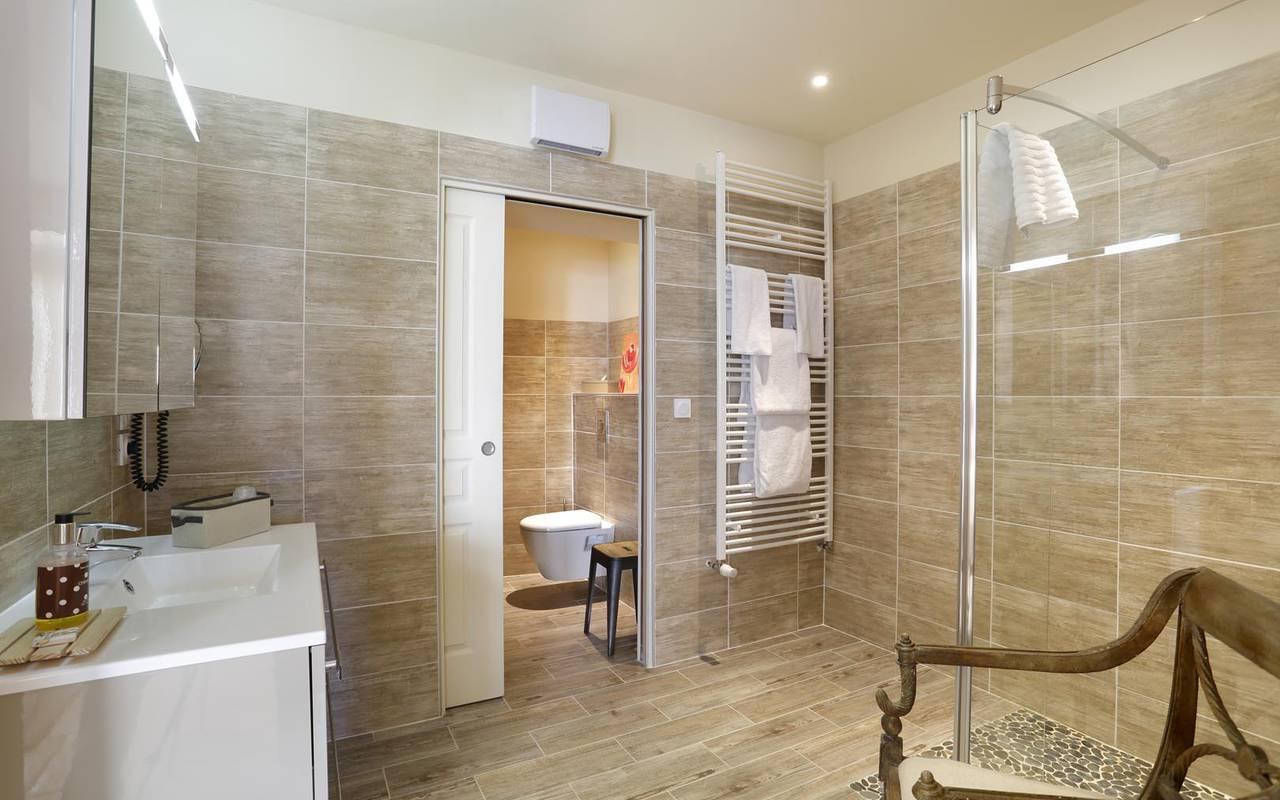 Salle de bain luxueuse hôtel proche de tours