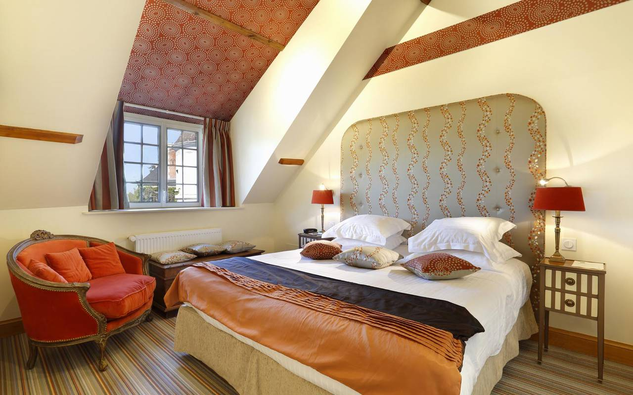 Grande suite chic hôtel bord de loire