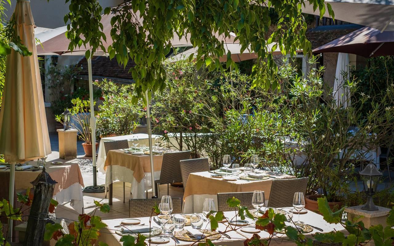 Grande terrasse restaurant loire et indre