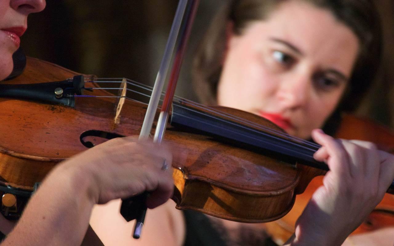Musique violon hébergement tours
