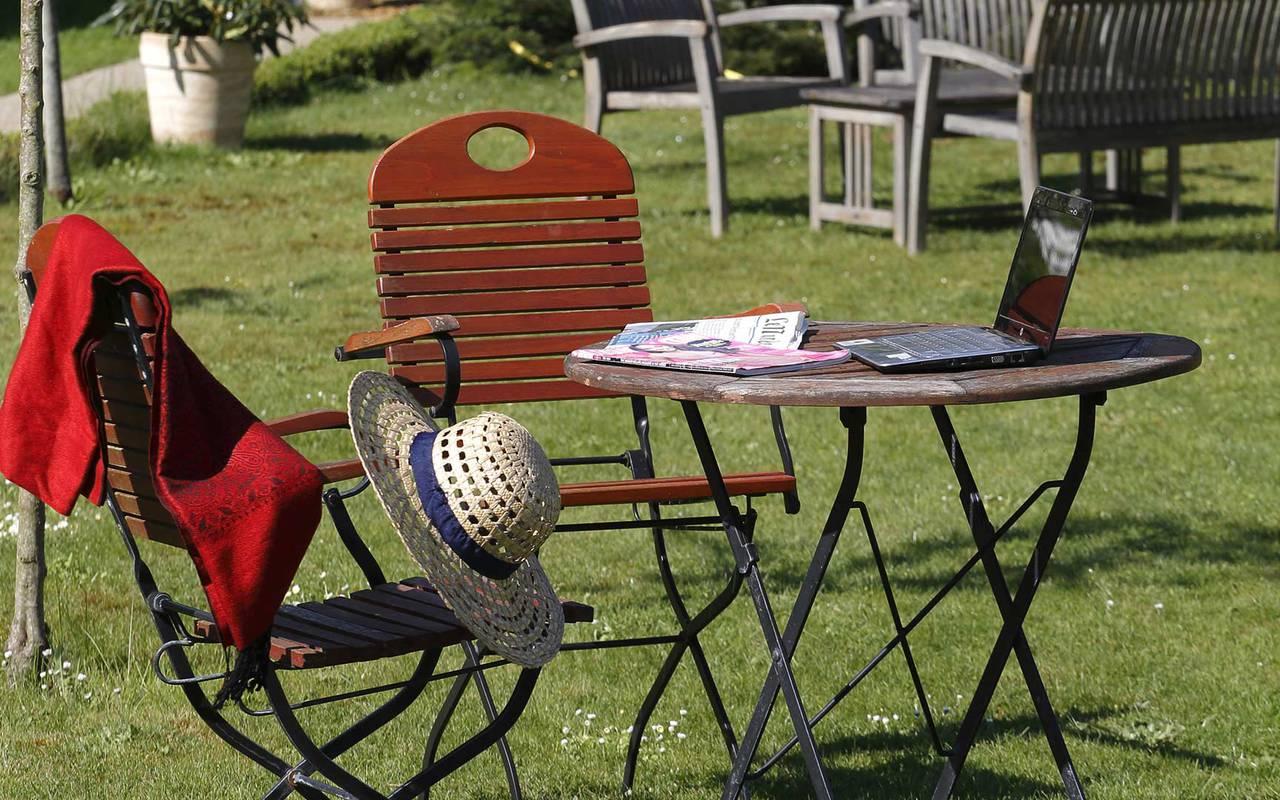 Table du jardin sublime hôtel de luxe loire