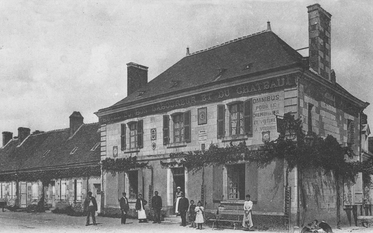 Photo de l'ancienne façade hôtel de luxe loire