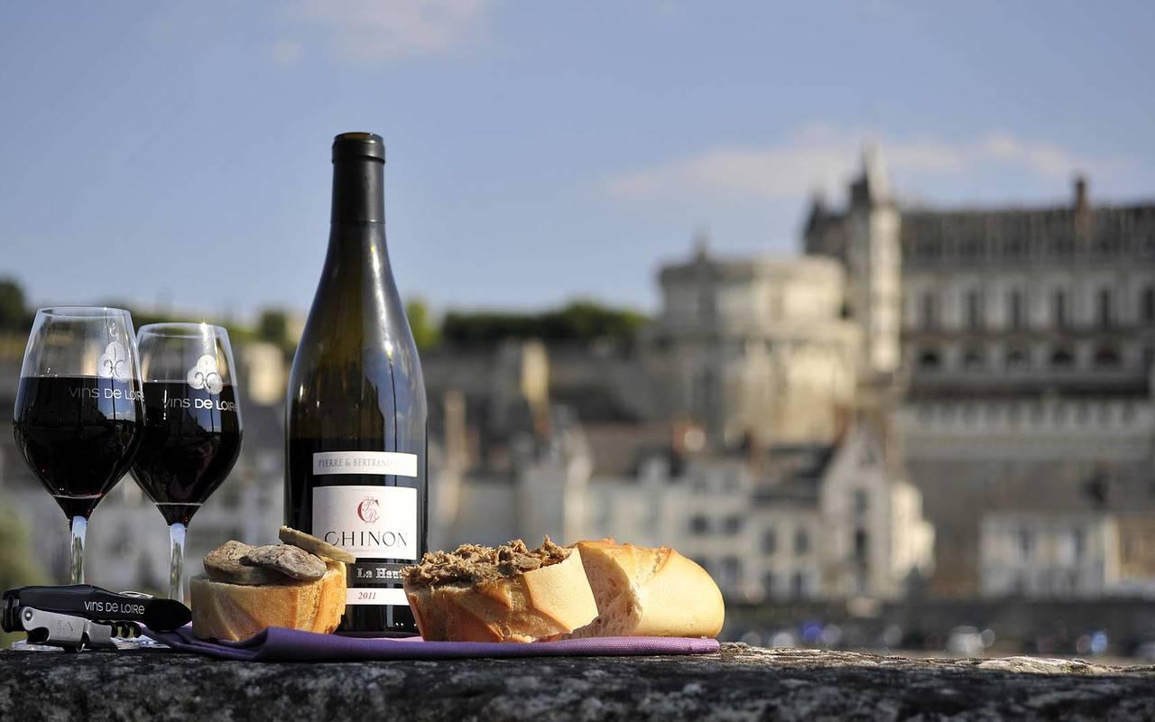 Bouteille de vin week end château de la loire